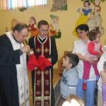 """Micuţii creştini de la Centrul de Zi """"Sfânta Irina"""" din Blaj au primit Trupul şi Sângele Mântuitorului prin Sfânta Împărtăşanie"""