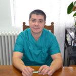 Medicul Mihai Nemeți, de la Spitalul Municipal din Blaj, i-a revascularizat chirurgical artera carotidă unui pacient care a suferit un accident cerebral