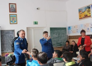 activitate-jandarmi-scoala-blaj-mar-2016