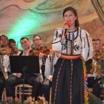 """Primul abum al Inei Todoran """"Mult mă-ntreabă iedera"""" a fost lansat la Festivalului Naţional de Folclor """"Strugurele de aur"""" 2013"""