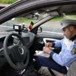 Dosar penal pentru un bărbat de 45 de ani din Bucerdea Grânoasă, după ce a fost surprins de polițiști la volanul unui autoturism neînmatriculat, pe strada Clujului din Blaj