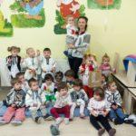"""1 Decembrie 2016: Prichindeii de la Aşezământul Social """"Sfânta Irina"""" din Blaj au sărbătorit Ziua Naţională a României"""