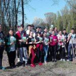 """Elevii Liceului Tehnologic Jidvei au plantat 550 de puieți de gorun în cadrul activității extrașcolare """"Fii alaturi de noi, participă la luna plantării arborilor!"""""""