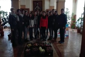 elevi-stefan-manciulea-blaj-saptamana-fructe-donate-2016