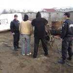 Jandarmi au surprins trei barbați în timp ce furau componente metalice de pe un șantier