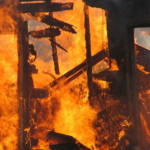 Intervenție a pompierilor din Blaj pentru stingerea unui incendiu izbucnit la acoperișul unei case din Obreja