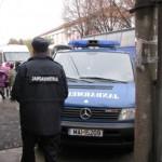 O ceartă începută între copii și continuată de către părinți a dus la sancționarea acestora de către jandarmii din Blaj