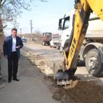 La Mihalţ, au început lucrările de reabilitare a străzilor, post-canalizare