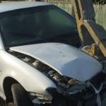 Un șofer din Blaj aflat în stare de ebrietate s-a izbit cu mașina de un stâlp, la Mănărade