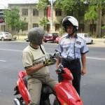 Tânăr de 20 de ani din Jidvei surprins de polițiști conducând fără permis un moped neînmatriculat