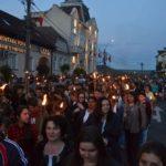 """Peste 1000 de persoane au defilat cu torțe, prin centrul municipiului Blaj, la parada din cadrul """"Sărbătorii Libertății"""" – 2017"""