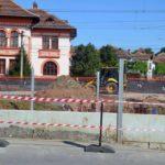 Au demarat lucrările la pasarela pietonală de peste calea ferată, care va leaga zona centrală de cartierul Hula din Blaj