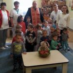 """Sfintele Sărbători de Paşti, primite cu bucurie şi smerenie de antepreșcolarii de la Centrul de Zi """"Sfânta Irina"""" din Blaj"""