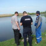 Dosar penal pentru un bărbat de 37 de ani din Mihalț, după ce a fost surprins de polițiștii din Blaj în timp ce pescuia pe Râul Mureș în perioada de prohibiție