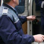 Doi tineri au fost reținuți de polițiști după ce au provocat scandal într-o discotecă din Blaj