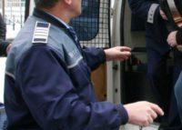 Bărbat de 38 de ani cercetat de polițiști, după ce a sustras mai multe bunuri dintr-o locuință din Șona