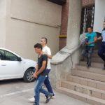 Cei trei tineri din Roșia de Secaș acuzați că ar fi violat și tâlhărit o minoră de 17 ani, duși la Parchetul de pe lângă Judecătoria Alba Iulia