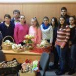 """Alimente colectate de elevii Liceului Tehnologic """"Ştefan Manciulea"""" din Blaj, cu prilejul """"Săptămânii legumelor şi a fructelor"""", pentru ajutorarea persoanelor nevoiașe din Blaj"""