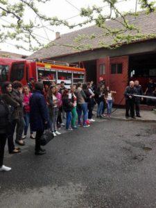 scoala-alfel-stefan-manciulea-blaj-pompieri-apr-2016