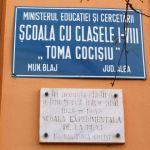 """În preajma zilei de 1 Decembrie, profesorii şi elevii Şcolii Gimnaziale """"Toma Cocişiu"""" din Blaj simt româneşte"""