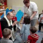 """Copilașii de la Centrul de zi ,,Sfânta Irina"""" din Blaj s-au pregătit cu mare bucurie pentru Sfintele Sărbători de Paşti"""