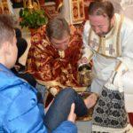 """Preasfinţia Sa Claudiu Lucian Pop a spălat astăzi picioarele a 12 copii şi studenţi seminarişti, în Catedrala Arhiepiscopală Majoră """"Sfânta Treime"""" din Blaj"""